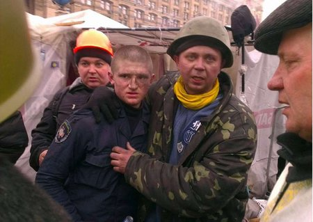У Києві військові здаються в полон Майдану