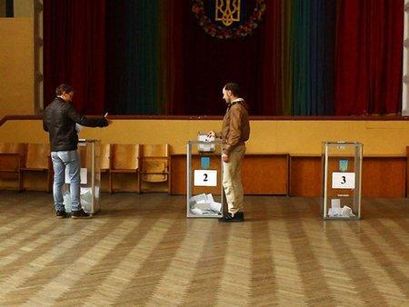 Франція радить провести в Україні вибори