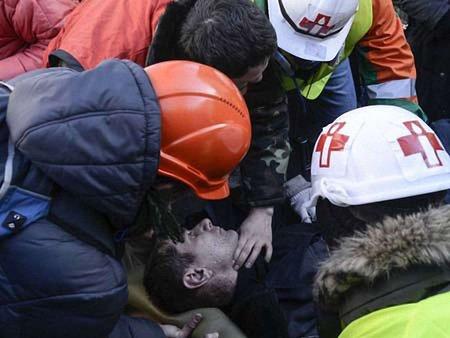 У медиків на Майдані стріляє снайпер, – політик