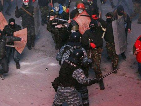 Самооборона і «Правий сектор» вимагають від МВС припинити вогонь