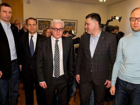 Закордонні міністри планують сьогодні ще одну зустріч з Януковичем