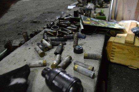 На Майдані зробили експозицію боєприпасів, якими стріляли в людей