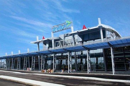 В київському аеропорту затримали кількох регіоналів