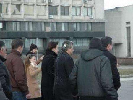 Мера Сум закидали яйцями, не давши попрощатися з Героєм Майдану