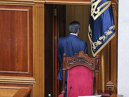 МВС і ГПУ заперечують, що Януковича оголошено в розшук