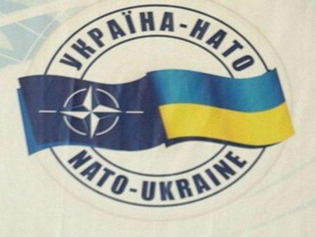 НАТО допоможе Україні посилити безпеку
