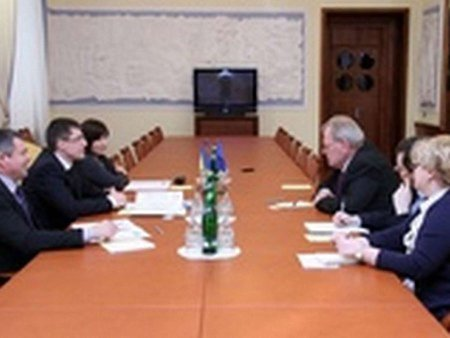 Спостерігачі ОБСЄ почали прибувати в Україну
