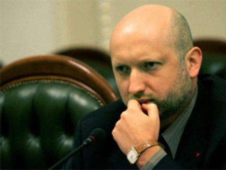 Росія підштовхує Україну до вступу в НАТО, - Турчинов