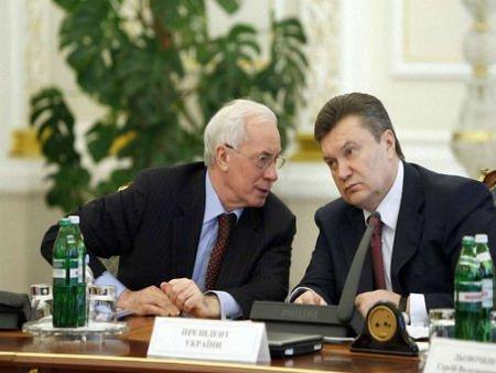 Януковича та Азарова позбавили українських пенсій