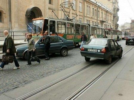 Трамваї у Львові вже курсують звичними маршрутами