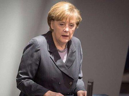 Меркель пригрозила Путіну економічними санкціями