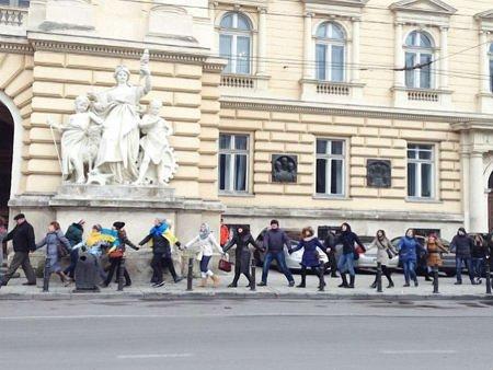 У Львові проведуть живий ланцюг «Єднання заради миру»