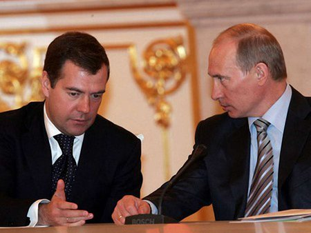 Путін обговорить з Медведєвим економічні відносини з Україною
