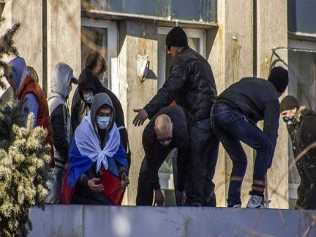 В Луганську сепаратисти взяли в полон заручників, - СБУ