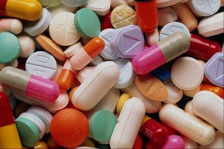 В Україну призупинили ввозити ліки