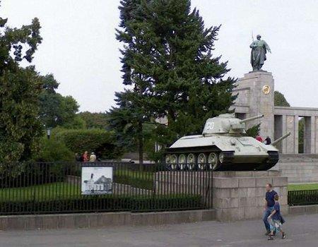 З меморіального коплексу у Берліні хочуть демонтувати танки Т-34