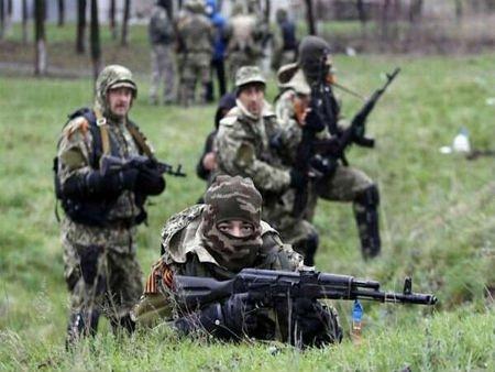 Диверсантами на сході України керують російські офіцери, - СБУ