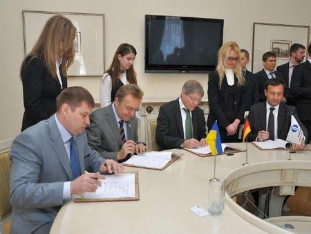 У Львові підписали грантовий договір щодо трамваю на Сихів