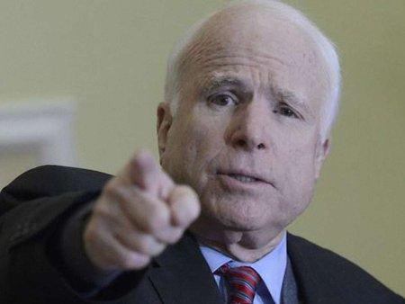 США мають підтримати Україну зброєю, – Маккейн