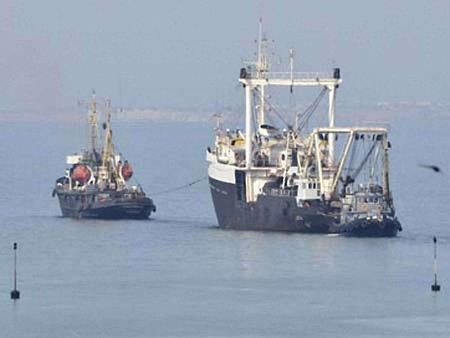 Окупанти повернули Україні ще два кораблі