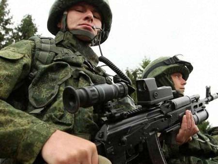 У Коломойського пропонують $10 тисяч за «зеленого чоловічка»