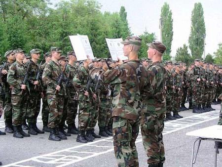 Верховна Рада рекомендує відновити призов до армії