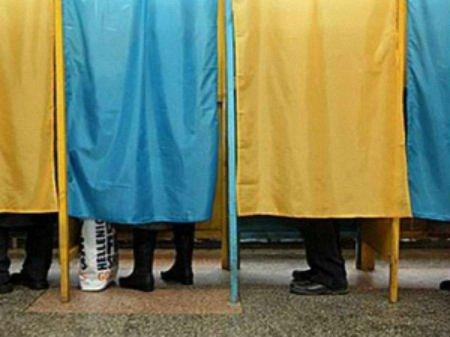 Виборами на Львівщині хочуть керувати екс-регіонали, -