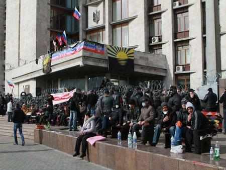 Сепаратисти висунули свої умови для звільнення будівель