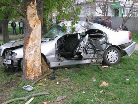 П'ятеро молодих людей загинули в ДТП на Чернігівщині (фото)