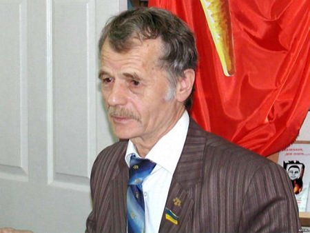 Джемілєву заборонили в'їзд у Крим на 5 років