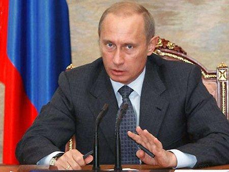 Путін погрожує відповісти на застосування армії на сході України