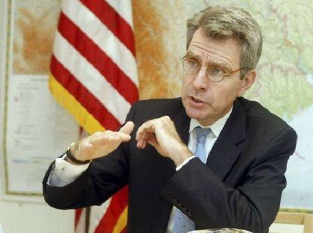 США подовжили українцям термін дії візи до 10 років
