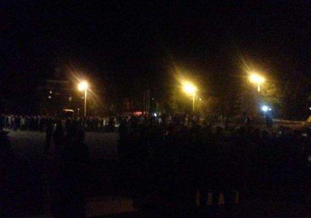 Вночі сепаратисти намагалися захопити міськраду Стаханова (відео)