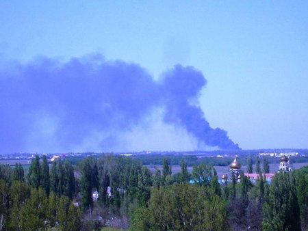 В Одесі горить склад з хімікатами