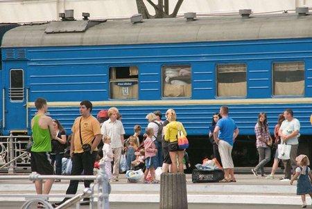 Укрзалізниця додала потягів на травневі свята