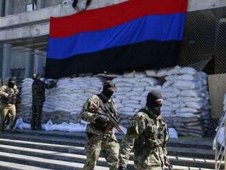 СБУ: У Слов'янську терористи утримують близько 40 людей