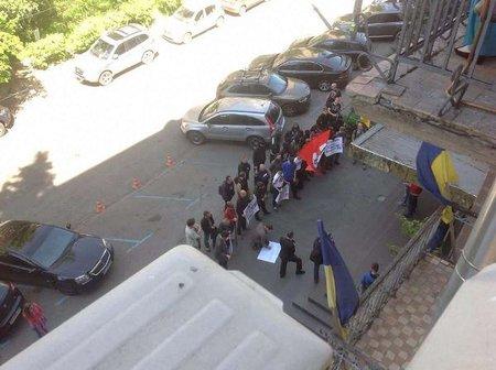 Противники російських серіалів розгромили офіс «Інтера»