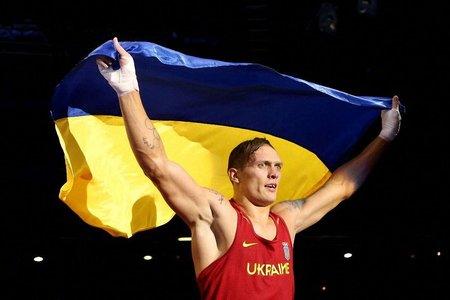 Боксер Усик відмовився від російського громадянства