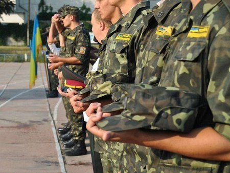 В Україні у 35 вишах є військові кафедри, у 29 – ліквідували