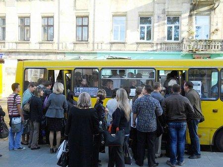 Луцька мерія відмовилася підвищувати тарифи на проїзд у маршрутках