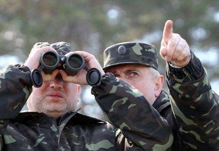Війська приведені у повну боєготовність через загрозу війни, - Турчинов