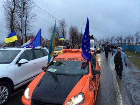 Львівські автомайданівці збирають допомогу для сходу України
