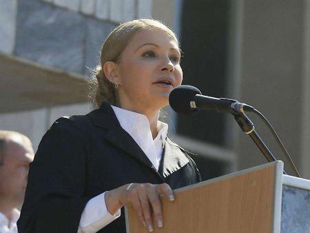 Тимошенко: Держава повинна допомогти кримчанам, які покинули півострів