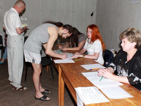 На Львівщині видавали бюлетені без паспорта