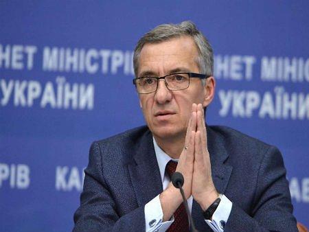Курс долара не знизиться до врегулювання ситуації на сході, - міністр