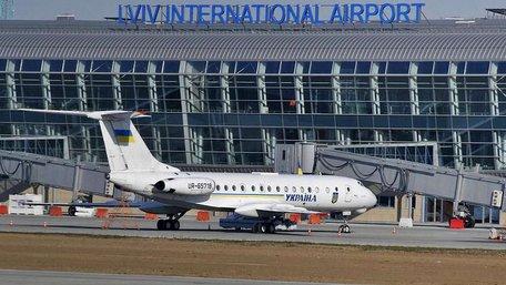 Львівський аеропорт змінив розклад і напрямки польотів