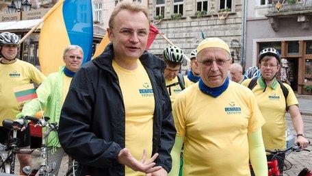 На знак солідарності з українцями литовські велосипедисти проїдуть 750 км Західною Україною