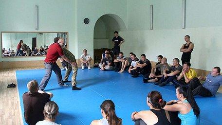 Набір у нову патрульну поліцію у Львові продовжили
