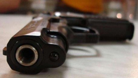 У Києві біля метро жінка вистрілила собі в голову