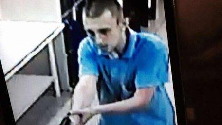 Оприлюднено фото підозрюваного у вбивстві чоловіка у харківському супермаркеті